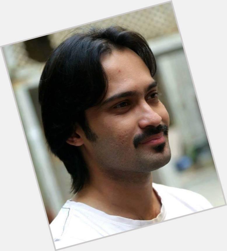 Waqar Zaka full body 6.jpg