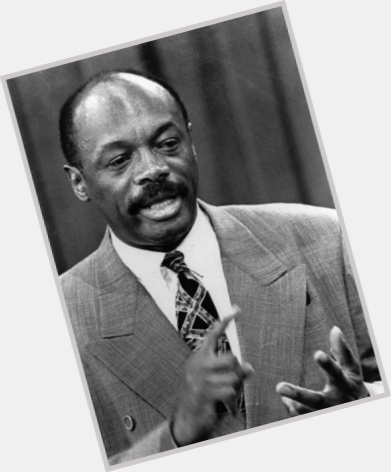 Http://fanpagepress.net/m/W/Willie Brown New Pic 1