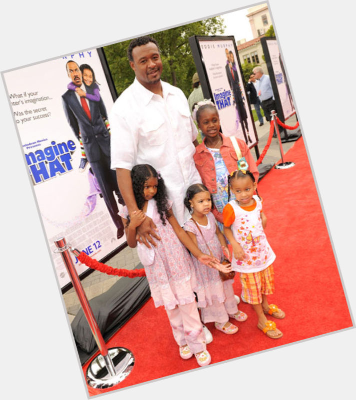 """<a href=""""/hot-men/willie-mcginest/where-dating-news-photos"""">Willie Mcginest</a> Athletic body,  black hair & hairstyles"""