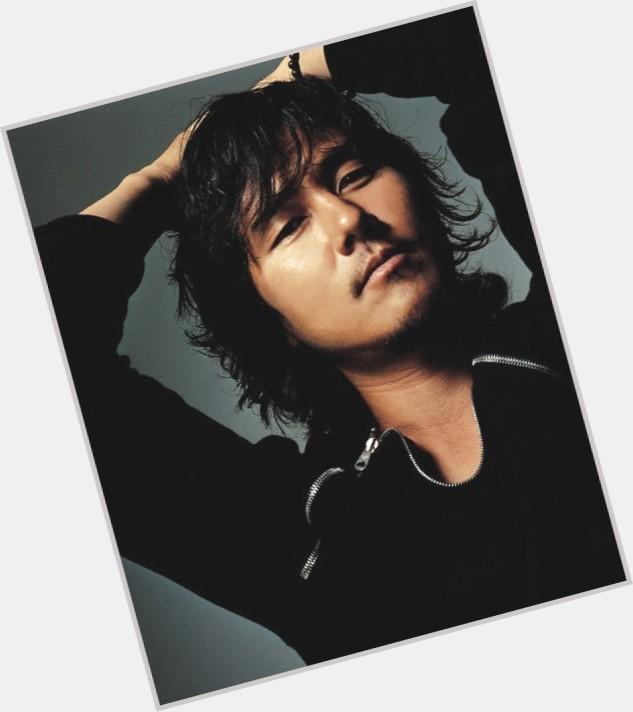 "<a href=""/hot-men/woo-seong-gam/where-dating-news-photos"">Woo Seong Gam</a> Average body,  dark brown hair & hairstyles"