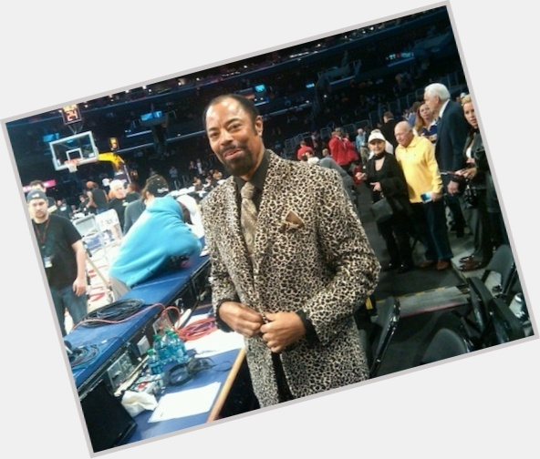 "<a href=""/hot-men/walt-frazier/is-he-married-hall-fame-alive-clyde-what"">Walt Frazier</a> Large body,  dark brown hair & hairstyles"
