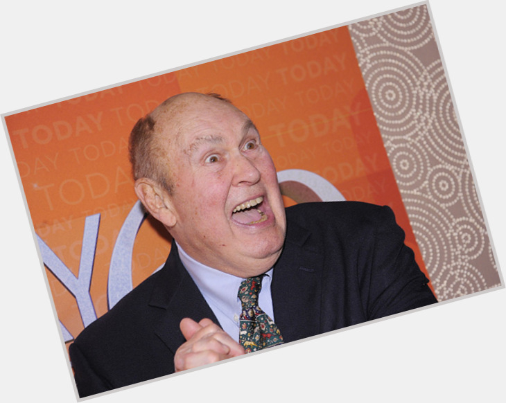 "<a href=""/hot-men/willard-scott/is-he-married-wheelchair-still-today-show-sick"">Willard Scott</a> Average body,  salt and pepper hair & hairstyles"