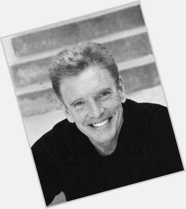 """<a href=""""/hot-men/william-atherton/is-he-married-jerk-real-life"""">William Atherton</a> Average body,  blonde hair & hairstyles"""