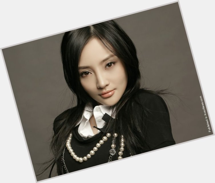"""<a href=""""/hot-women/xiaolu-li/where-dating-news-photos"""">Xiaolu Li</a>"""