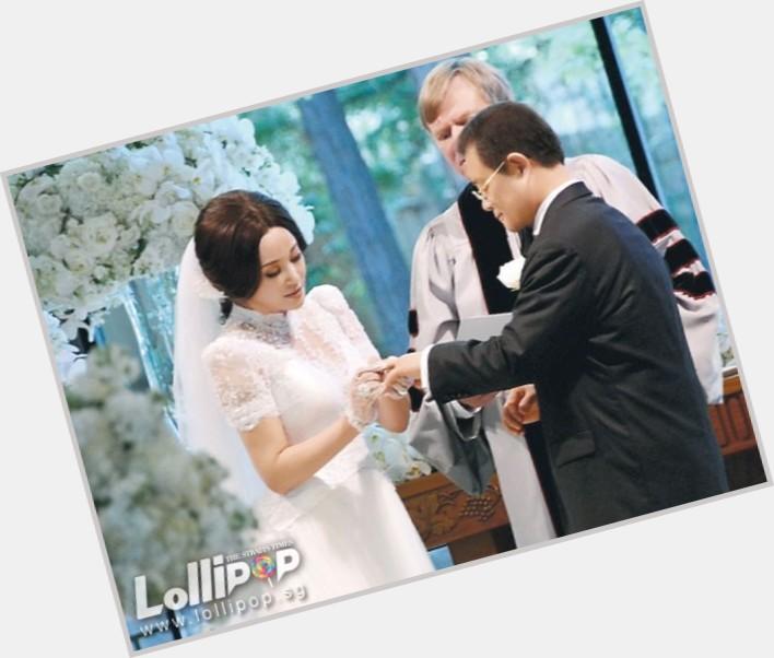 Xiaoqing Liu hairstyle 7.jpg