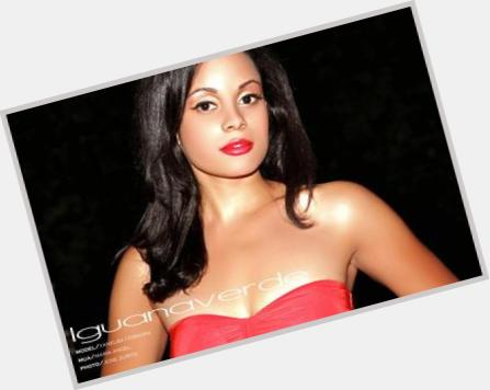 "<a href=""/hot-women/yanelba-ferreira/where-dating-news-photos"">Yanelba Ferreira</a> Slim body,  black hair & hairstyles"
