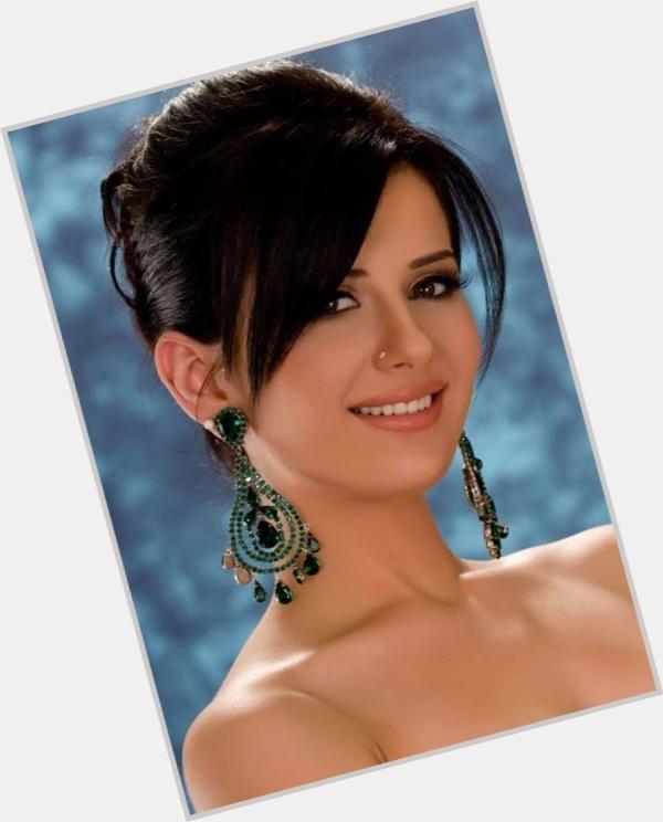 "<a href=""/hot-women/yara-naoum/where-dating-news-photos"">Yara Naoum</a>"