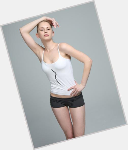 "<a href=""/hot-women/yasmin-avalo/where-dating-news-photos"">Yasmin Avalo</a> Slim body,  blonde hair & hairstyles"