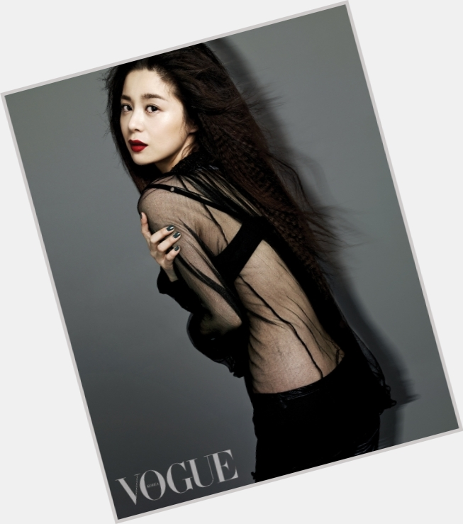 "<a href=""/hot-women/yeong-hie-seo/where-dating-news-photos"">Yeong Hie Seo</a>"