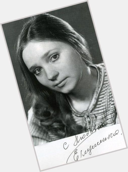 Yevgeniya Glushenko hairstyle 4.jpg