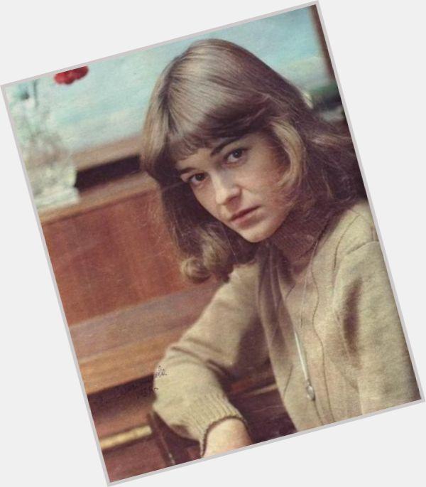 Yevgeniya Sabelnikova hairstyle 6.jpg