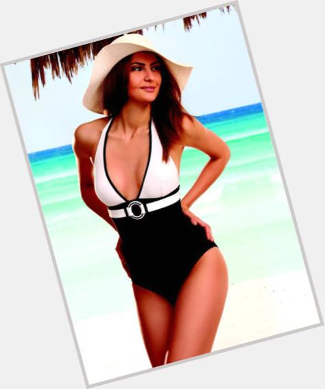 Yolande Fox full body 7.jpg