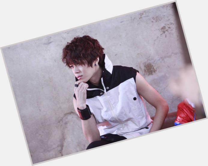 Yong Jun Hyung new pic 10.jpg