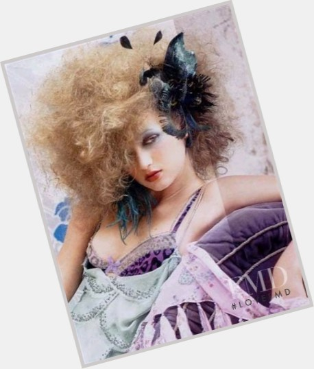 Yulia Blower hairstyle 5.jpg