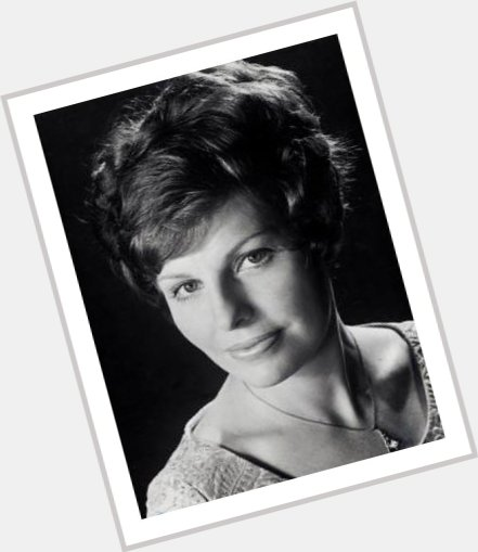 Yvonne Minton sexy 0.jpg