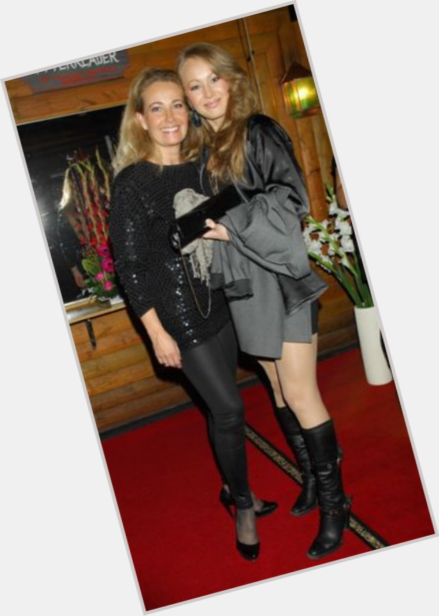 "<a href=""/hot-women/yvonne-ryding-bergqvist/where-dating-news-photos"">Yvonne Ryding Bergqvist</a>"