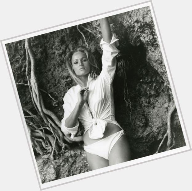 Yvonne Shima sexy 6.jpg