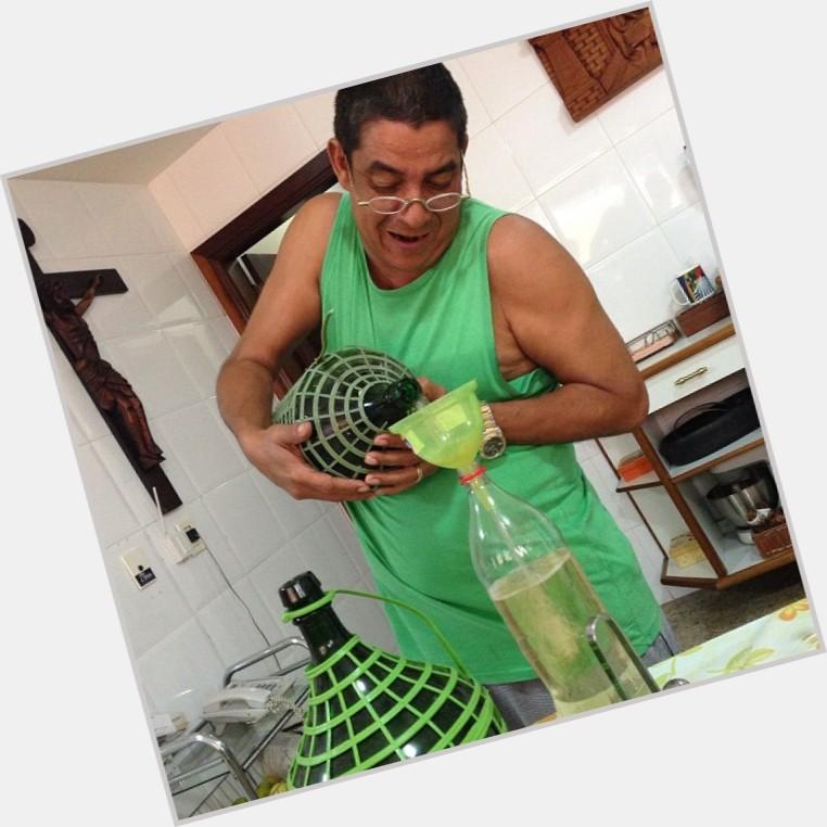 """<a href=""""/hot-men/zeca-pagodinho/where-dating-news-photos"""">Zeca Pagodinho</a>"""