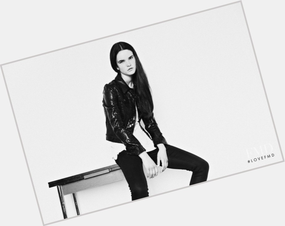Zoe Colivas sexy 9.jpg