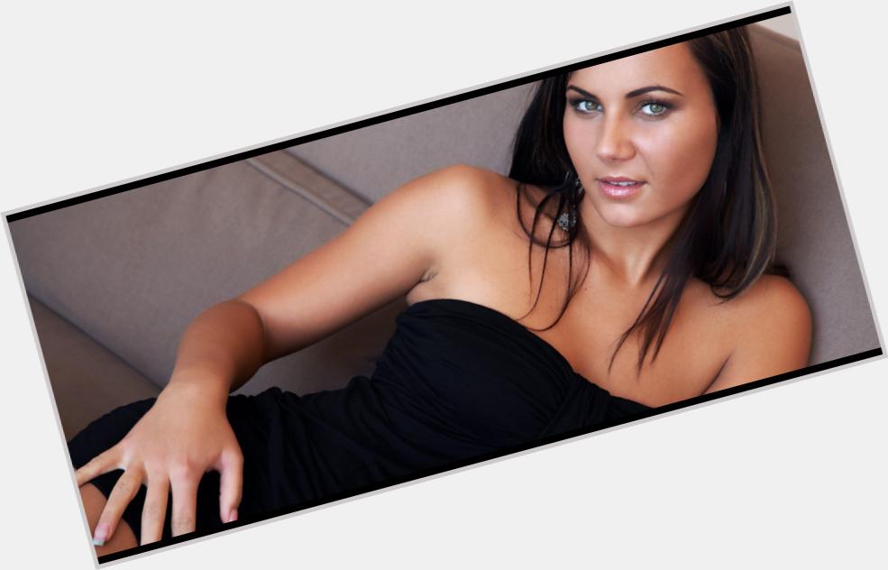 "<a href=""/hot-women/zoe-morrell/where-dating-news-photos"">Zoe Morrell</a> Average body,  dark brown hair & hairstyles"