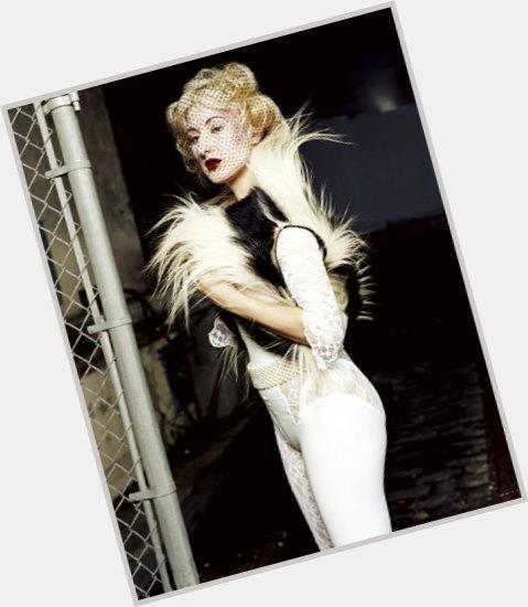 "<a href=""/hot-women/zola-jesus/where-dating-news-photos"">Zola Jesus</a> Average body,  blonde hair & hairstyles"